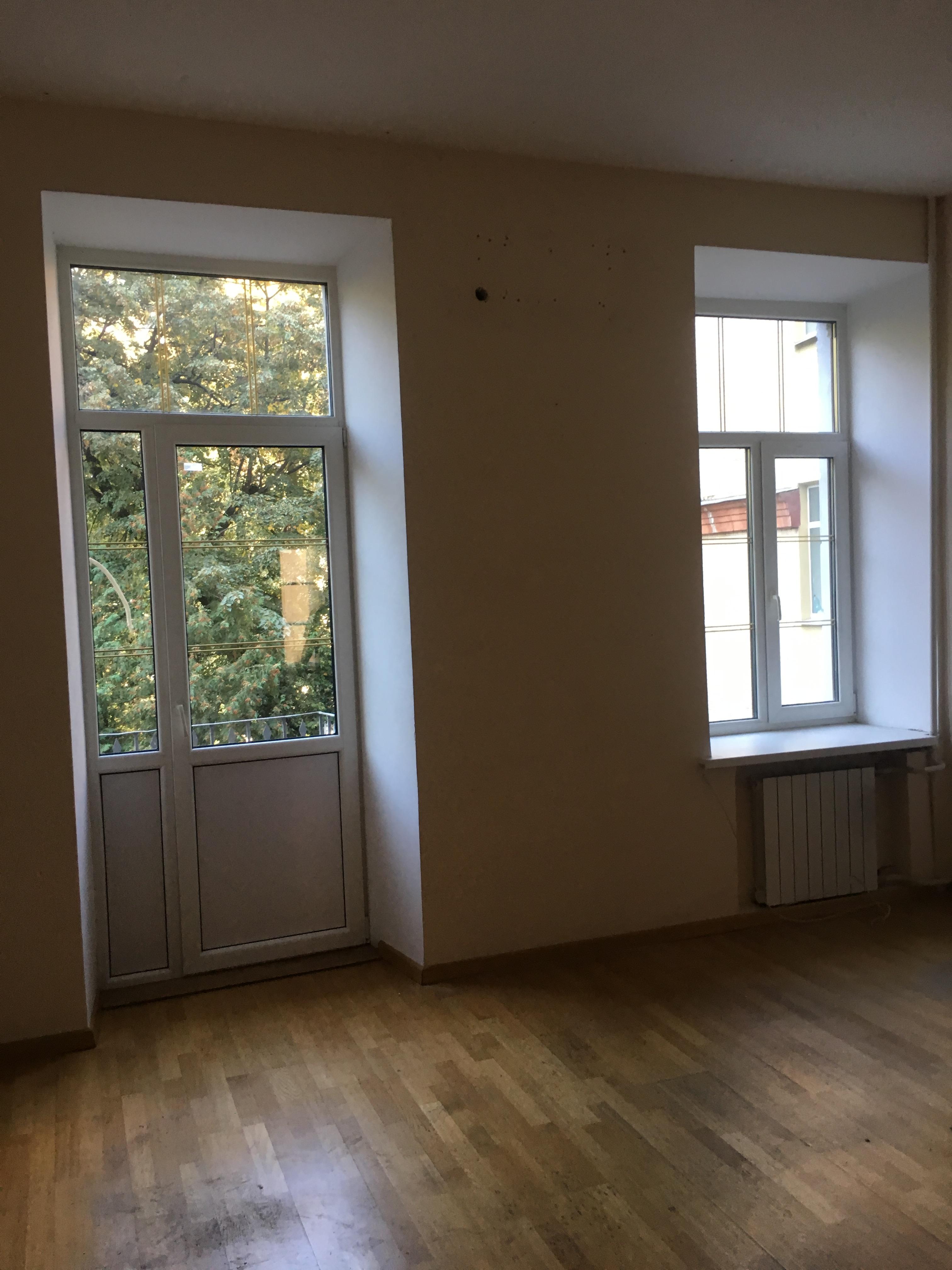 Нежитлові приміщення в м. Київ, площею 104,8 кв. м