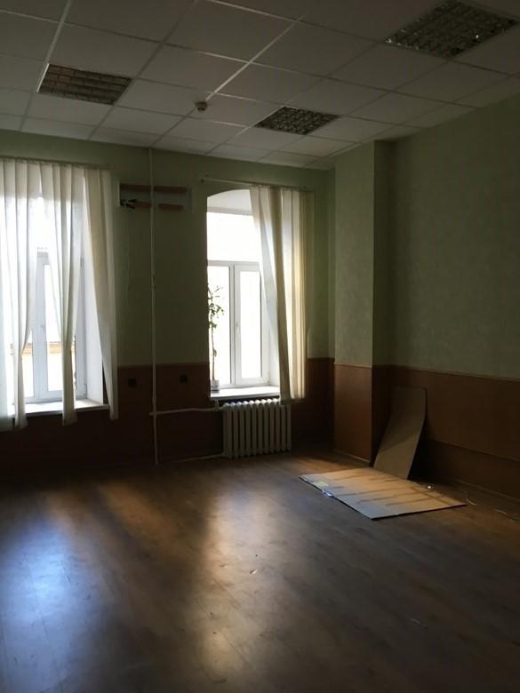 Нежитлові приміщення в центральній частині міста Київ, площею 40,8 кв. м