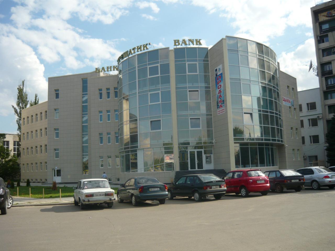 Нежитлове приміщення (приміщення №2), загальною площею 728,7 кв.м, що розташоване за адресою: м. Луганськ, вул. Хєрсонская, буд. 7є, приміщення №2